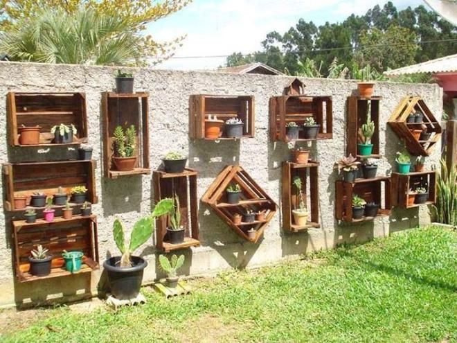Originales estantería en jardines verticales