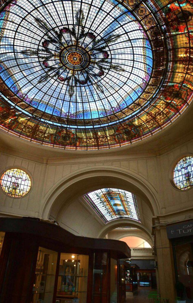 Lucernario con detalles de Art Nouveau